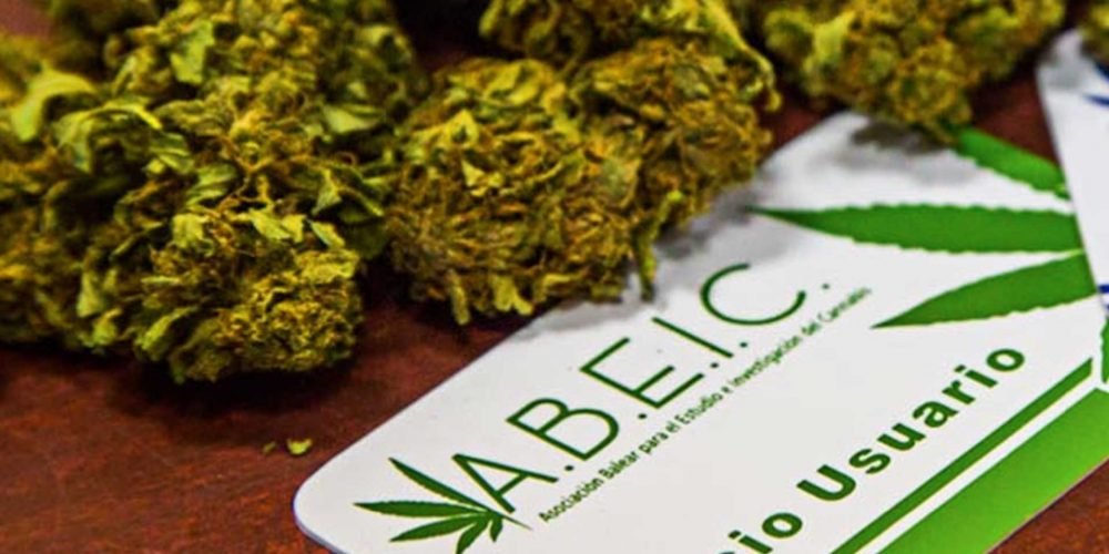 How Your Personal Cannabis Info is Stored Depends on Where You Are
